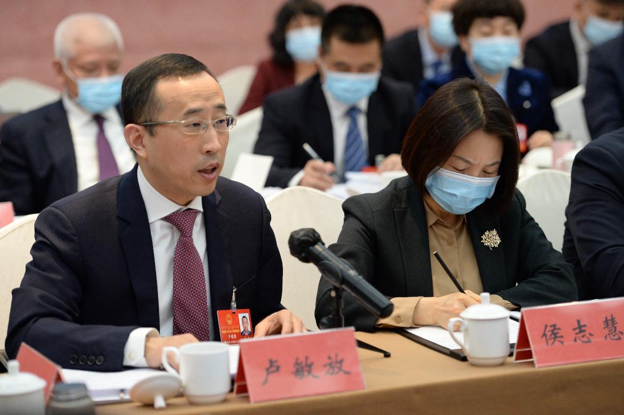 聚焦内蒙古两会   卢敏放建言通过规范条例稳定乳业发展秩序