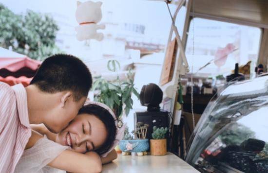 郑州婚纱摄影哪家好【蓝菲】摄影老板分享选择技巧,漯河南阳婚纱照价格