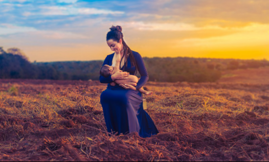 母亲与婴孩