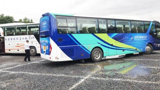 丝路彩虹互联网巴士引领会务出行新风尚