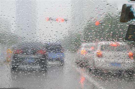 雨雪天看长安新CS75如何确保行车安全
