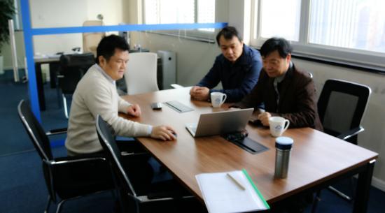 浦东新区工商联副主席钱伟国到访雪山金融参观交流