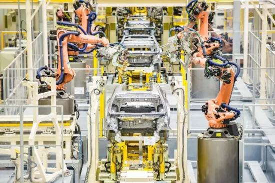智能生态工厂成全球领先标杆 广汽新能源再获外媒体高度关注(1)【