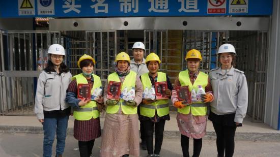 今天,中建二局东北分公司第八项目部女神,是这条gai上最靓的仔