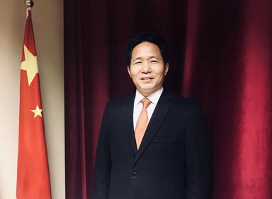 2019年8月經濟學家_...2019世界新興產業大會在河南省鄭州市舉行.圖為著名國際經濟學家...
