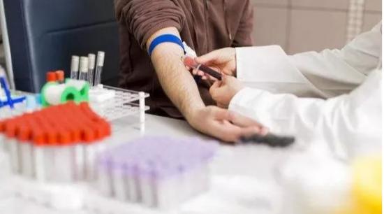 """致敬供电公司邱明乐 跨国捐献造血干细胞 奉献""""生命火种"""""""