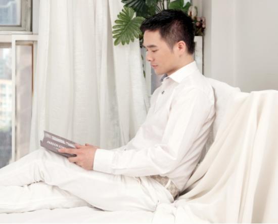 A2中国籍成员舒嘉颖复出娱乐圈 网友直呼:还是小鲜肉
