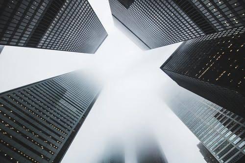 """鸿运信投肩负金融新使命,紧跟时代争创新辉煌"""""""