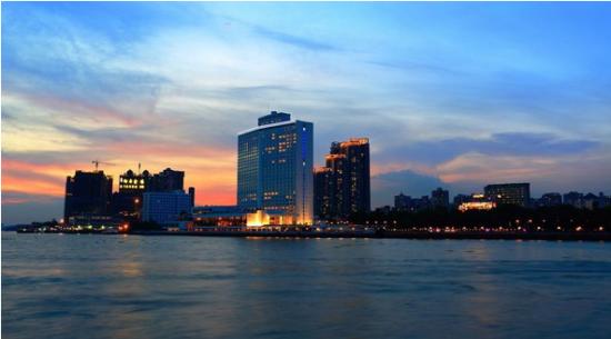 天誉半岛项目最后一席350m²赏月大宅