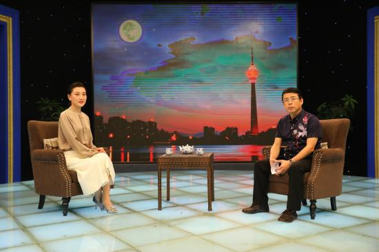 云朵艾杨创始人杨郑琪做客《态度》