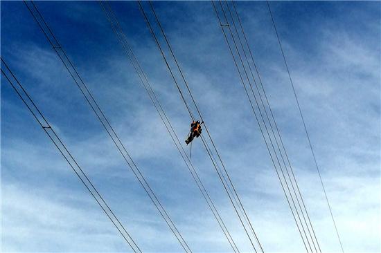 河南省首次实现电力输电侧智慧物联